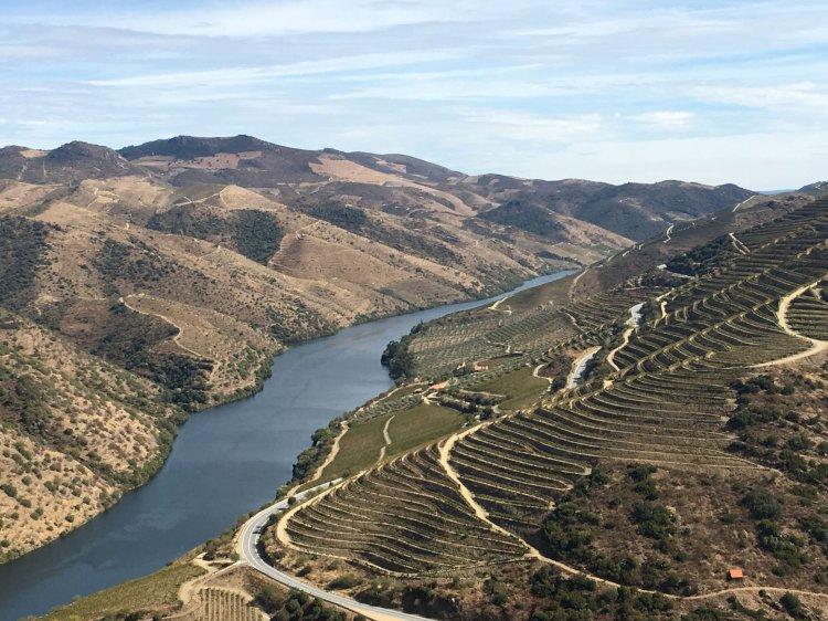 Pelos Trilhos de Portugal-Caminhos do Douro - De  Fraxinum à Linha, Vila Nova de Foz Côa