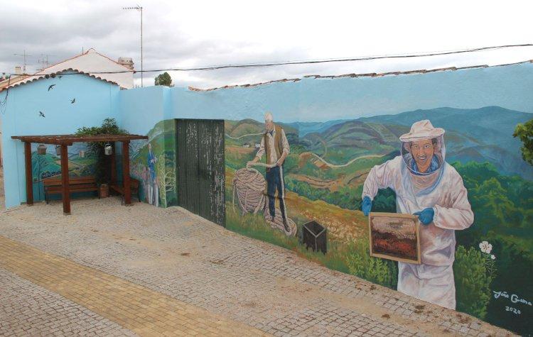 Maljoga inaugura novo mural de homenagem a figuras históricas da aldeia
