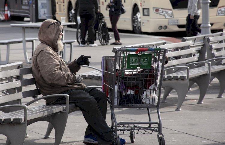 """Conferência nacional divulga projecto """"Housing First"""" de apoio à inserção de pessoas sem-abrigo"""