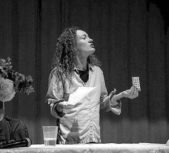 Janaína Leite estreia-se no Teatro Viriato