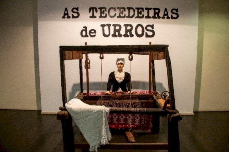 """""""As Tecedeiras de Urros"""" patente na Biblioteca Municipal de Torre de Moncorvo"""