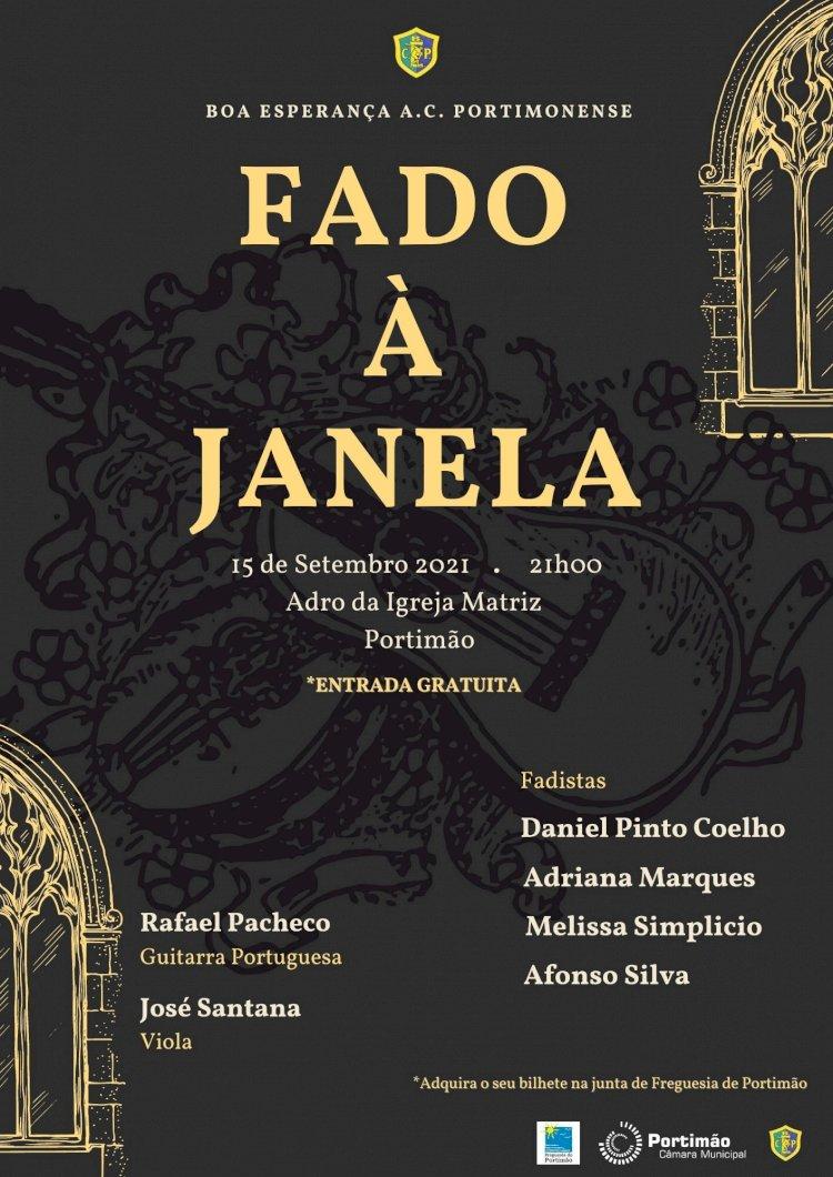 Fado volta a cantar-se à janela em pleno coração da cidade de Portimão